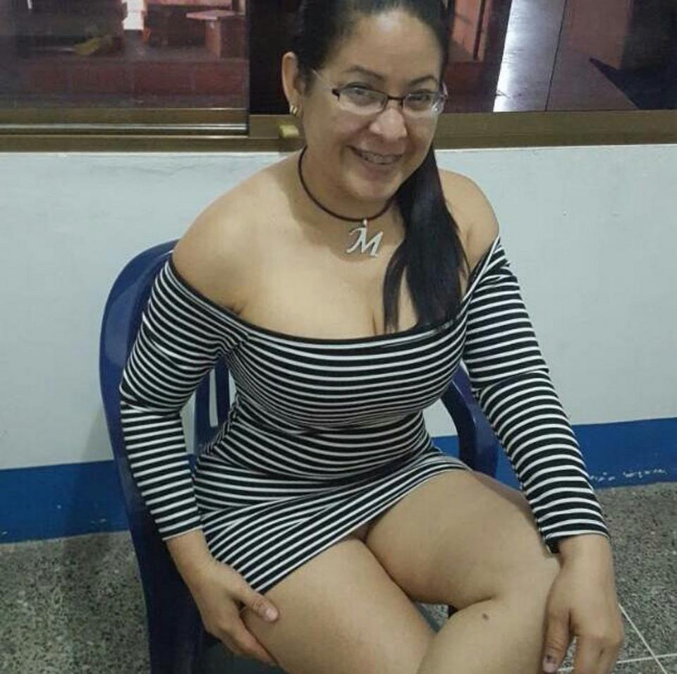 Очень плохая колумбийская училка ставила школьникам оценки за секс