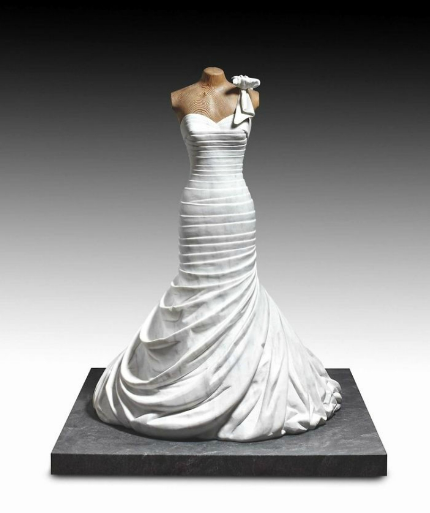 Artist-makes-impressive-sculptures-of-accessories-and-fashionable-clothes-in-marble-5a04f9567dc79__700.jpg