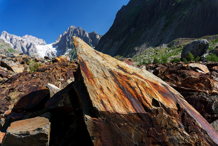 Терракотовое ущелье в Сванетии (28 фото)