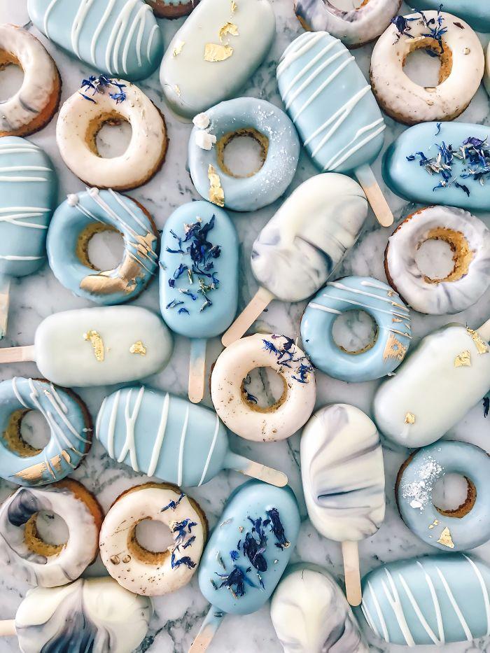 Пекарь-самоучка, который делает миниатюрные пирожные из остатков торта