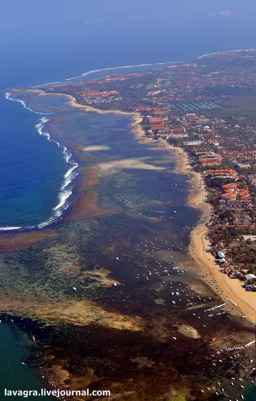Посёлок Нуса-Дуа на юго-восточной части острова считается своеобразной резервацией для пакетных тури