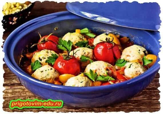 Куриные фрикадельки с помидорами.jpg