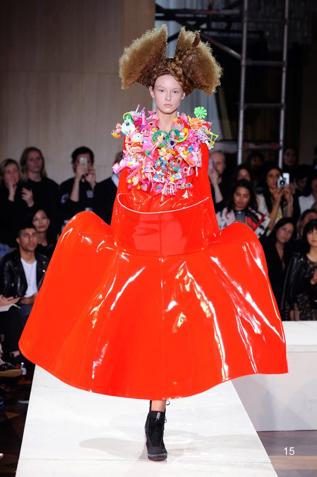 #PFW: Comme Des Garcons Spring Summer 2018 Collection