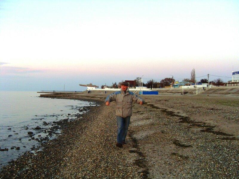 В ноябре, у моря, на закате