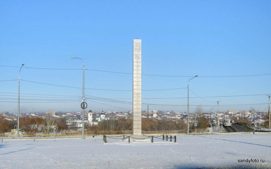 Стела 50 летию комсомола Троицка — кольцевая развязка