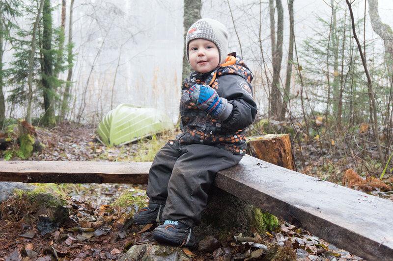 ребенок в походе с ноябре