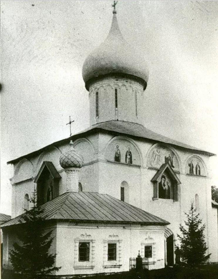 Антониев Краснохолмский монастырь. Никольский собор