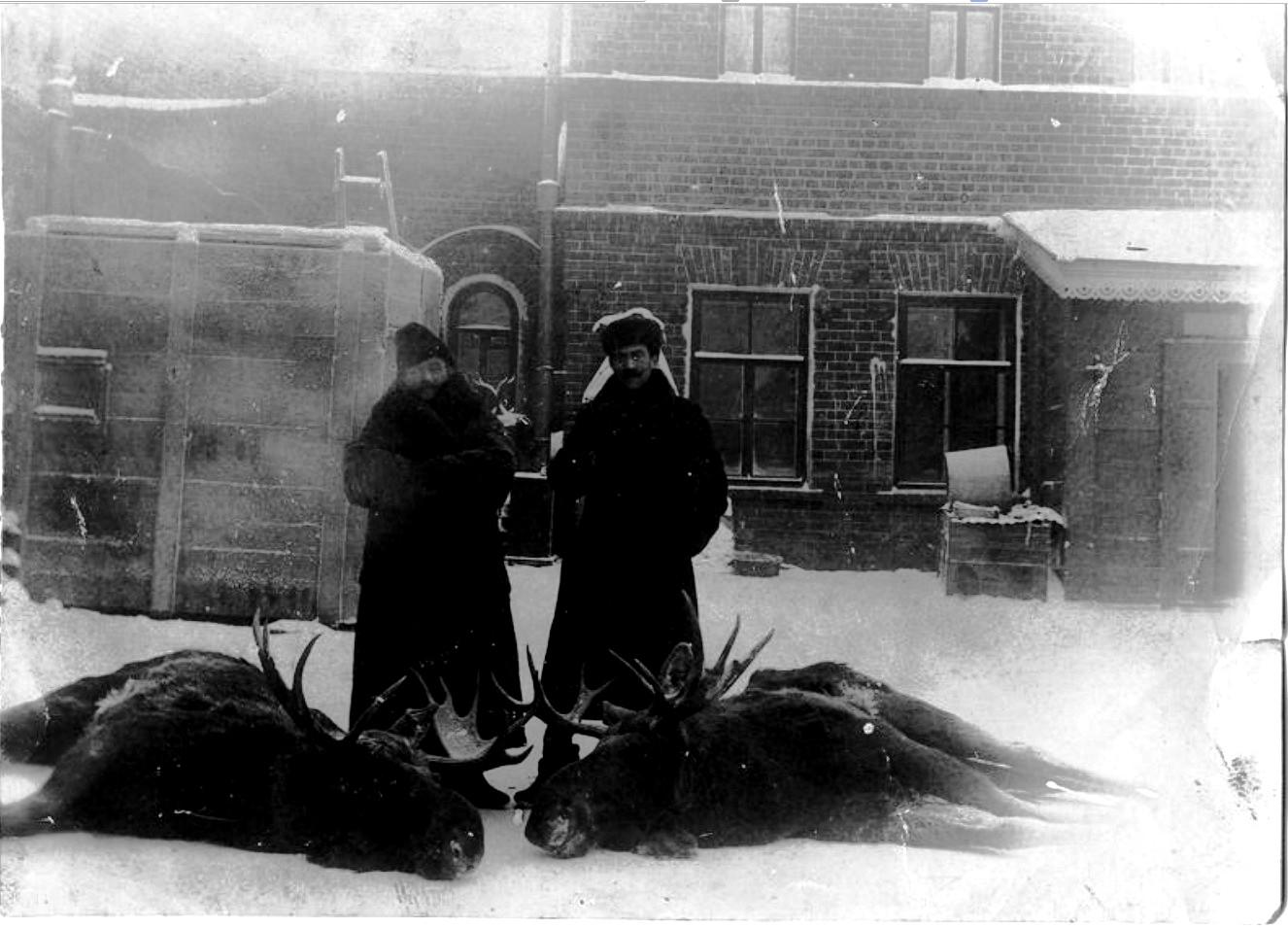 Иркутский купец Иван Апполонович Белоголовый на охоте. 1910