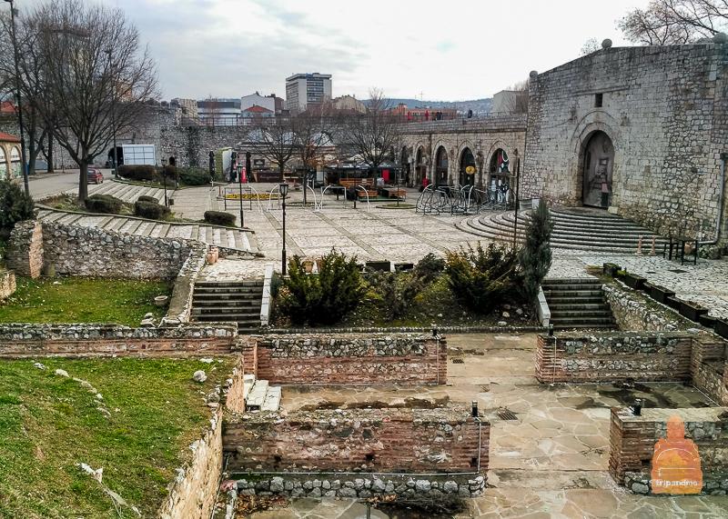 Одна из главных достопримечательностей города - Нишская крепость, стены которой дошли до наших дней