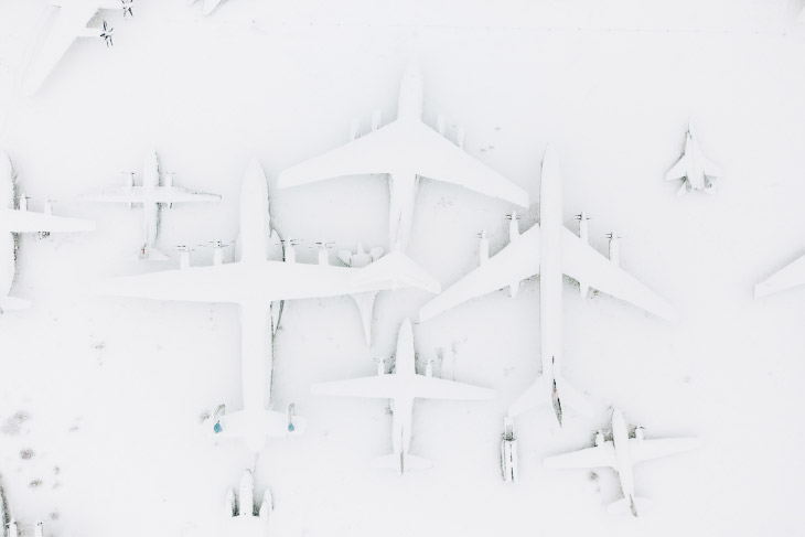 Спящие в снегу: самолеты из музея авиации в Монино (15 фото)