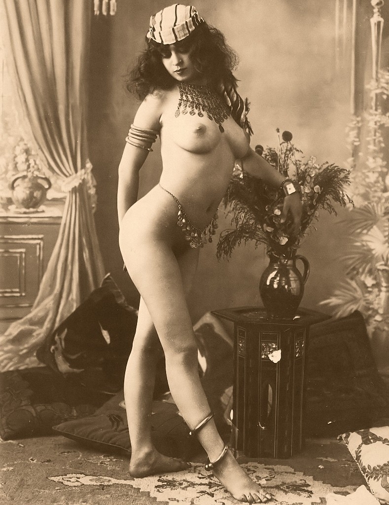 foreign-and-women-and-photos-and-nude-cunt-pics