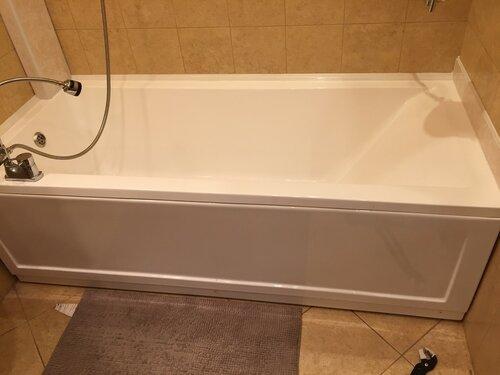 Наша ванна, а днище хлипкое
