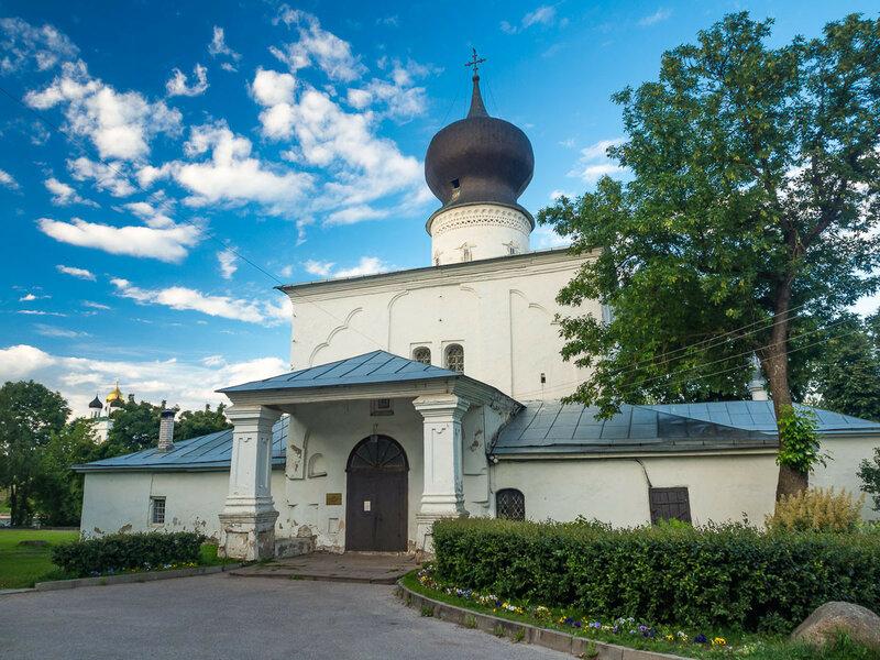 Церковь Успения у парома. Впервые упомянута в летописи в 1444 г.