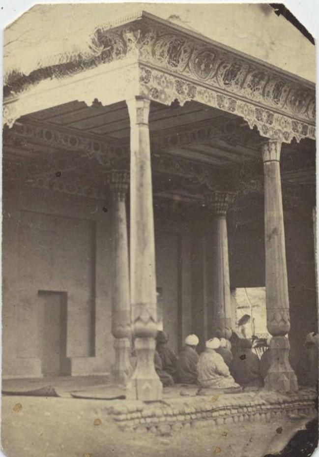 Молитва в мечети. 1870