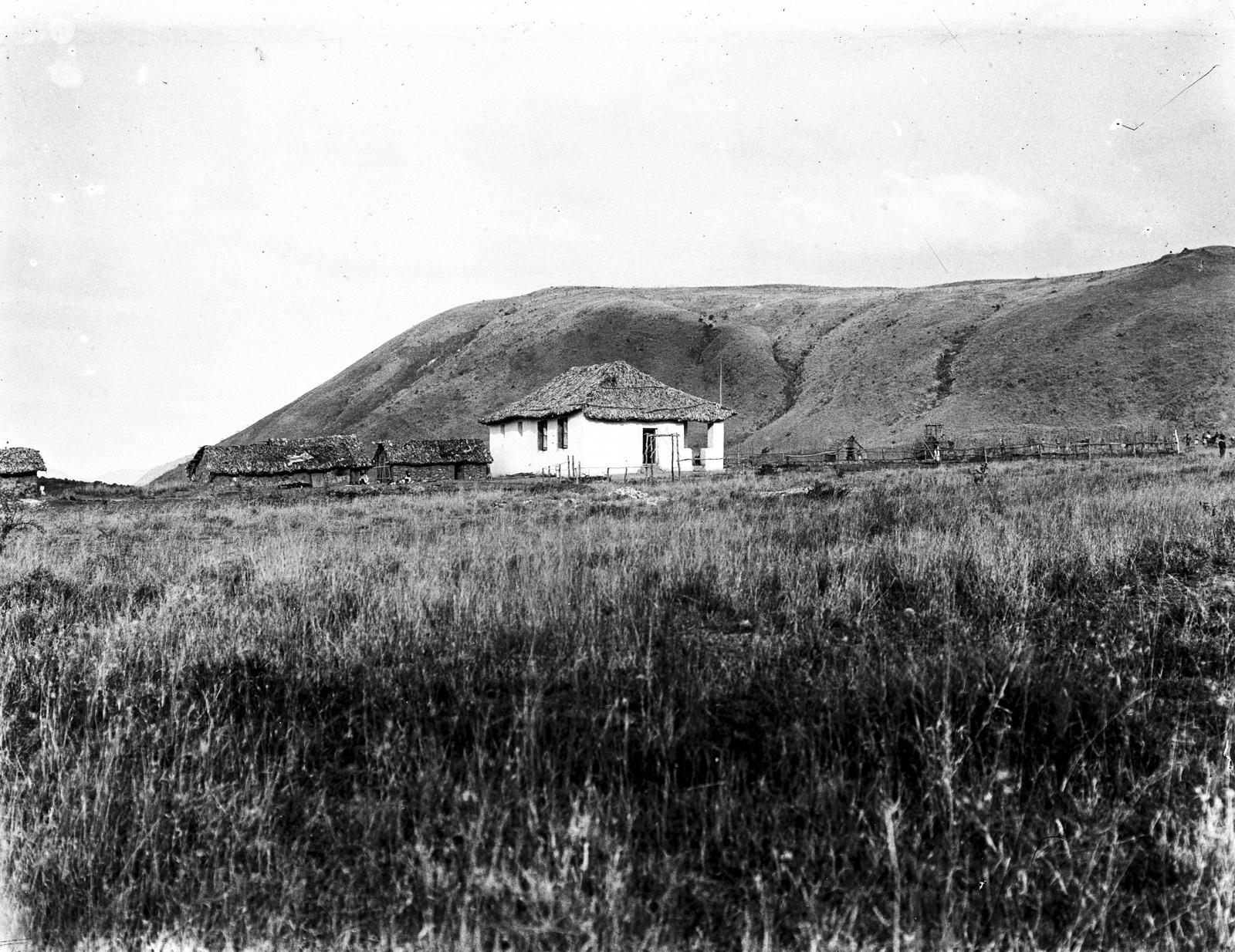 231. Вид немецкой школы на севере горы Меру
