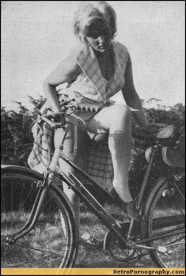 Поймали на велосипеде