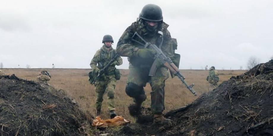 """За минувшие сутки террористы 40 раз открывали огонь по позициям ВСУ, применяя """"зенитки"""" и крупнокалиберную артиллерию, - штаб"""