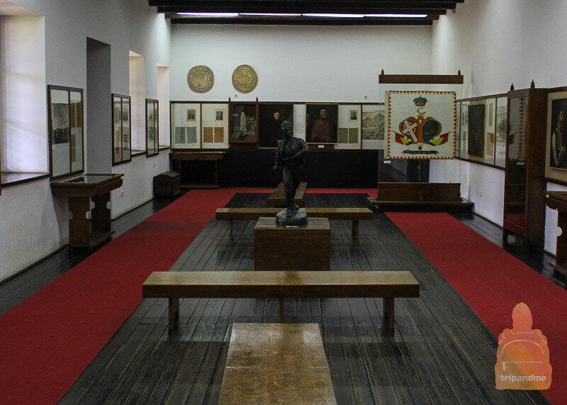 Музейный зал с личными вещами Карагеоргия