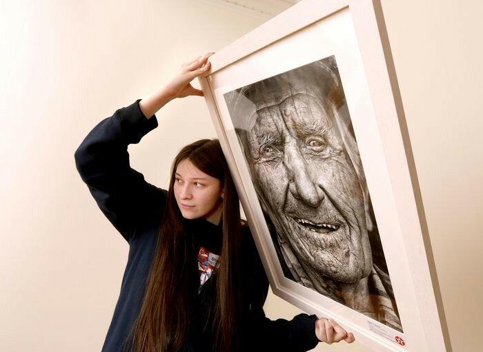 Юная художница нарисовала портрет-сенсацию