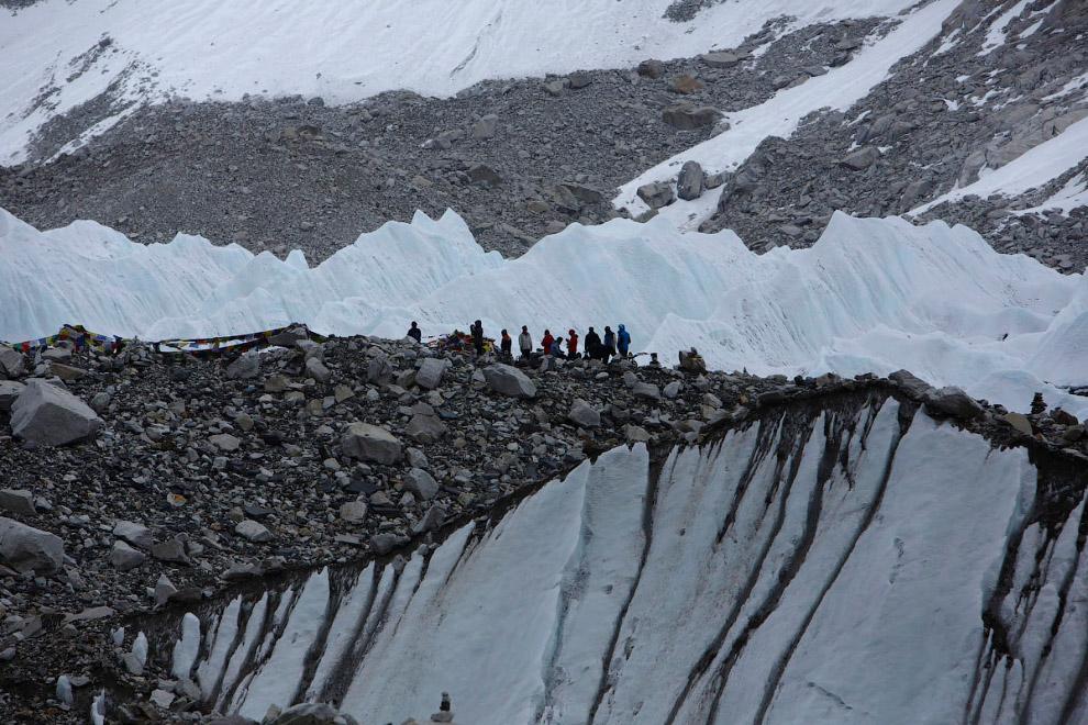 34. Впереди — вершина мира, Эверест, 8848 метров. Кала Паттар, 7 мая 2014. (Фото Navesh Chitrak
