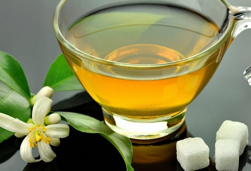 4. Зеленый чай не даст вам состариться. Этот напиток известен тем, что снижает риск сердечно-сосудис