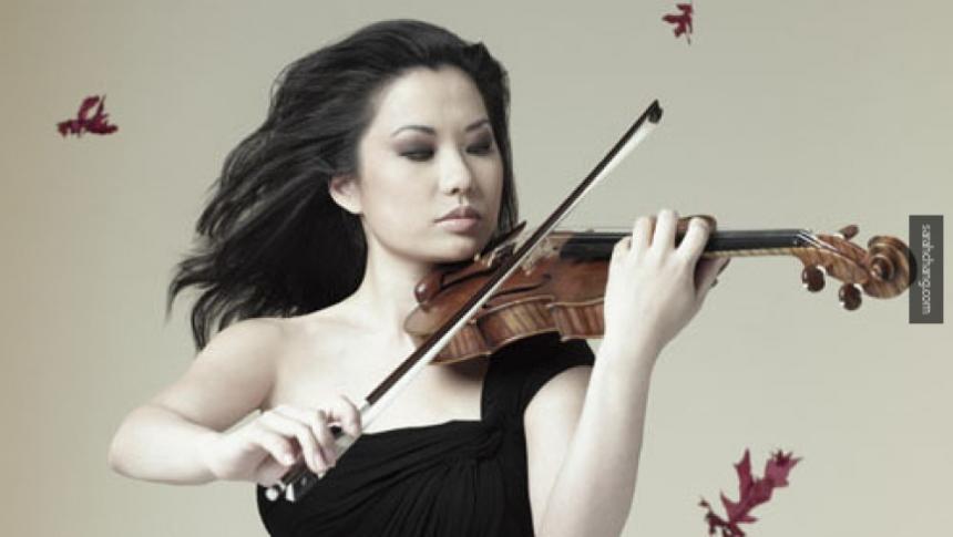 Скрипачку Сару Чанг ограбили при перелете в столицу на $12 тыс.