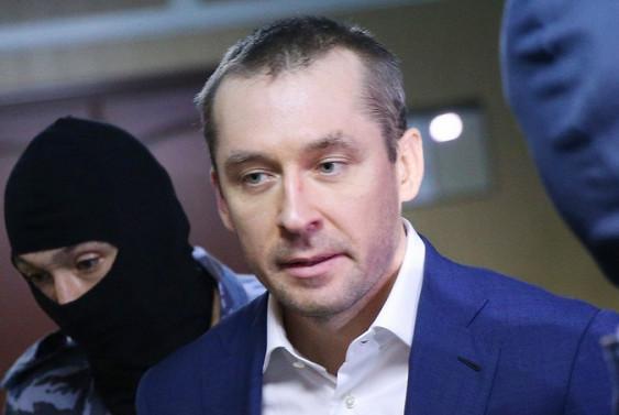 Родственники Захарченко рванули из столицы вроскошные квартиры икоттеджи Ростовской области