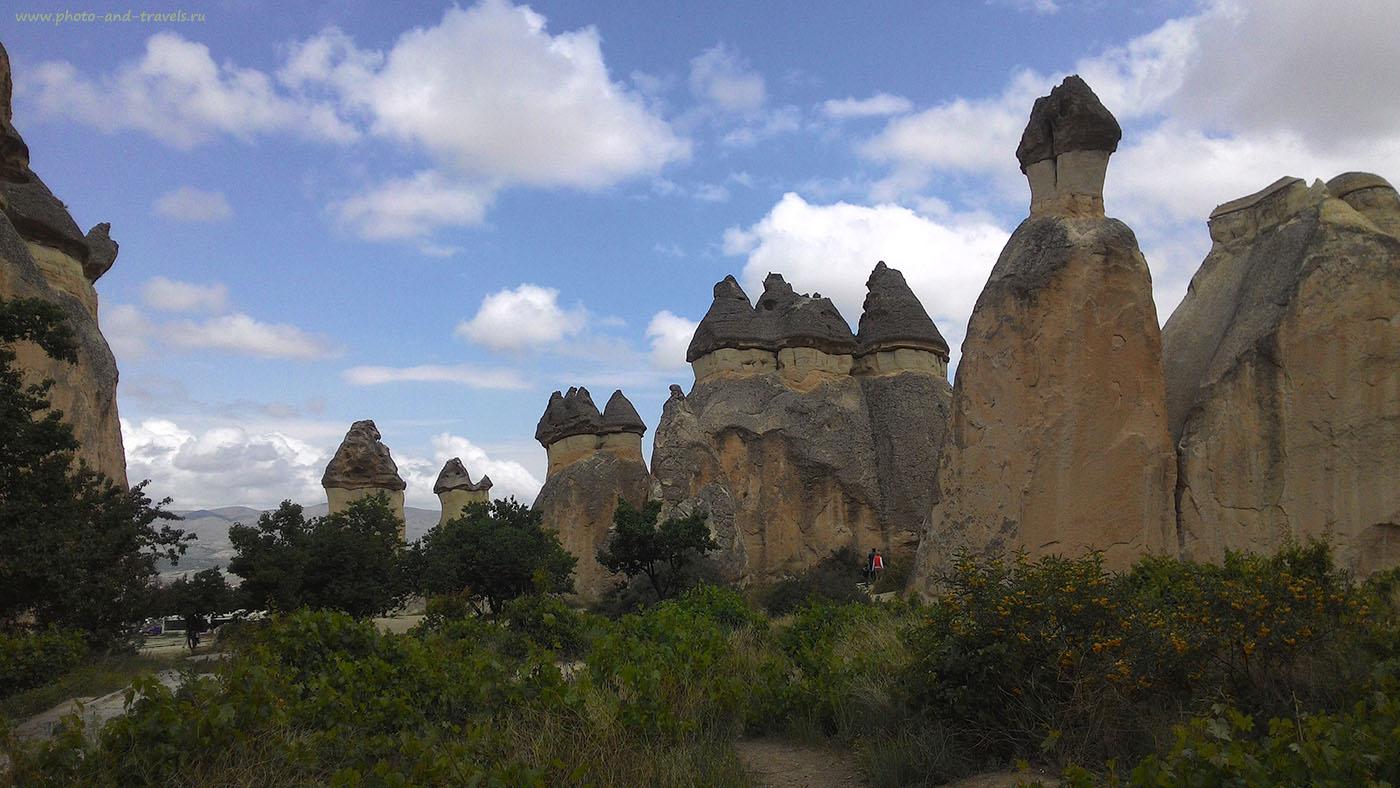 Фотография 6-1. Прогулка среди скал в долине Пашабаг. Отчет о походе по Каппадокии во время отдыха в Турции. Снято на смартфон Asus Zenfone 5.