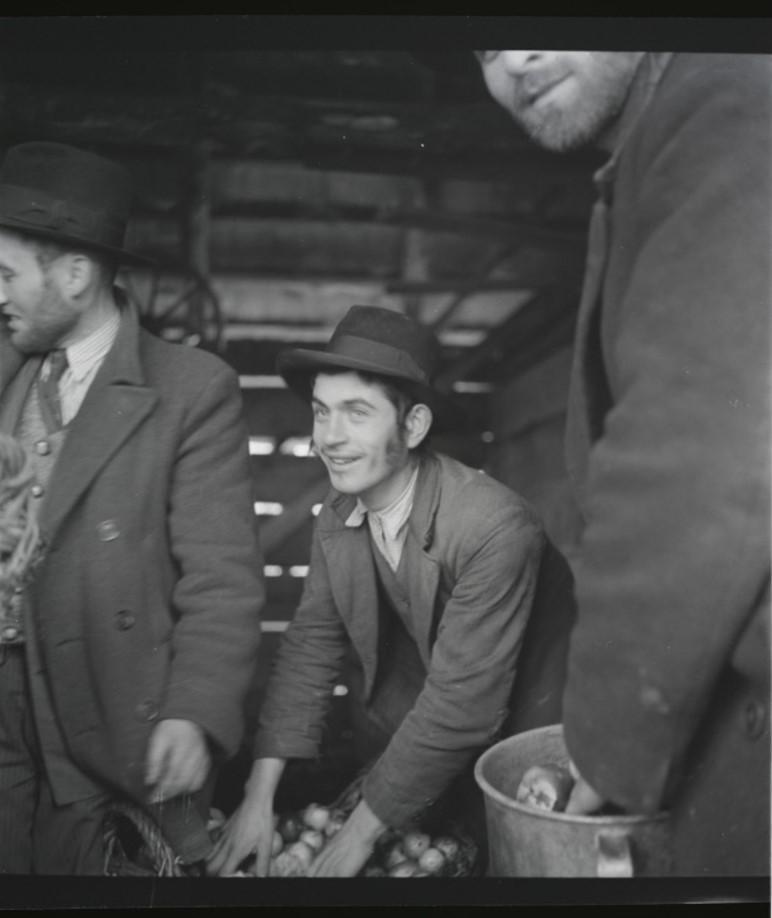Торговец яблоками