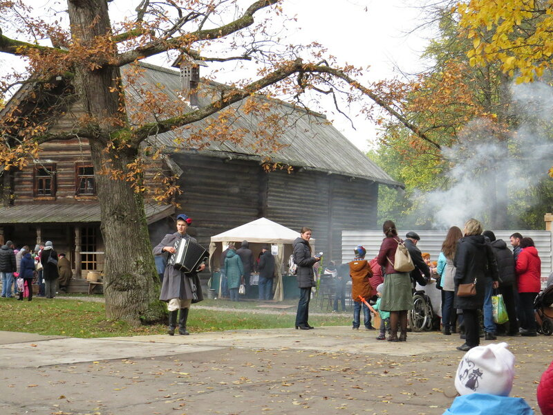 Праздничные гуляния. Витославлицы в Великом Новгороде