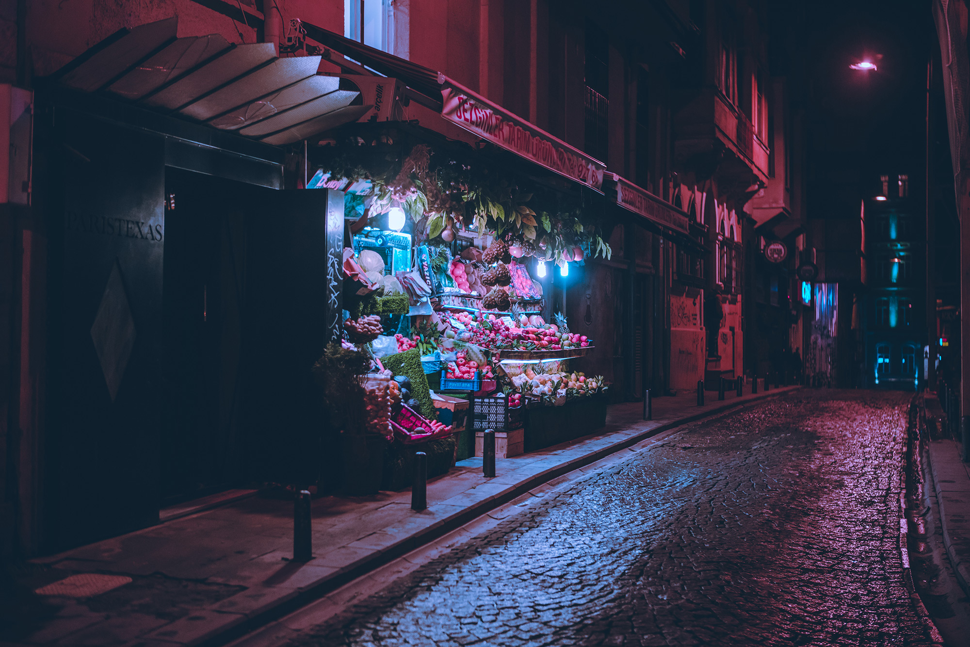 Nighttime City Scenes Bathed in Neon by Photographer Elsa Bleda