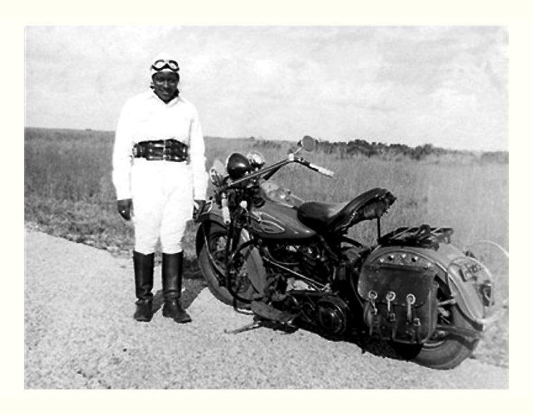 Мотоциклистка Бесси Стрингфилд