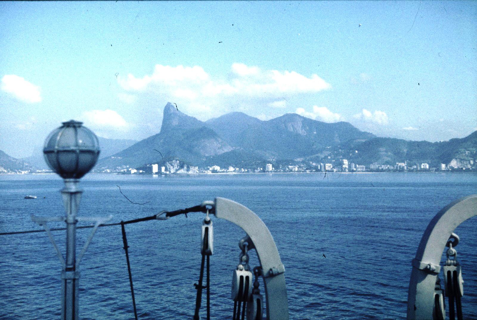 Рио-де-Жанейро. Вид на город из залива Гуанабара