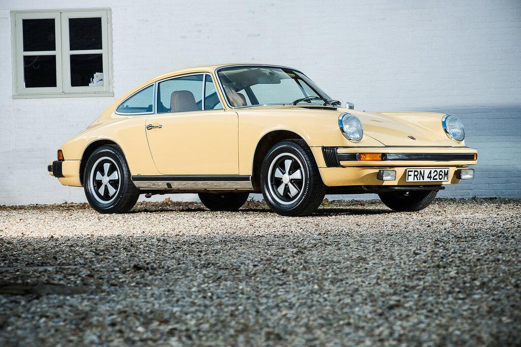 Porsche 911 S 2.7 Coupe Worldwide (911) '1973–75 1.jpeg