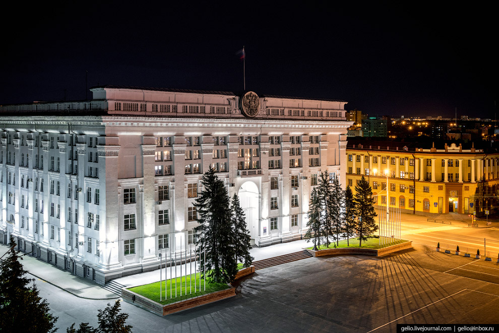 5. До 1991 года здание занимал областной комитет КПСС.