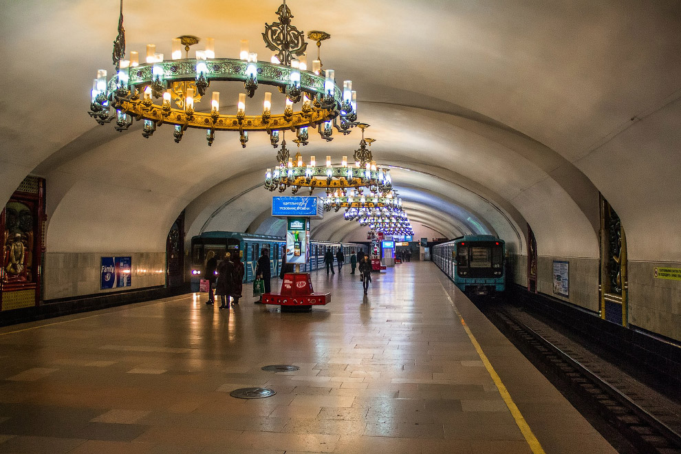 12. Станция Олмазор (бывш. им. Собира Рахимова):