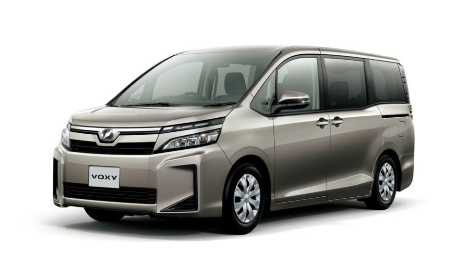 Toyota Voxy ZS Hybrid    В Японии у Toyota построена сложная сбытовая сеть с четырьмя группами