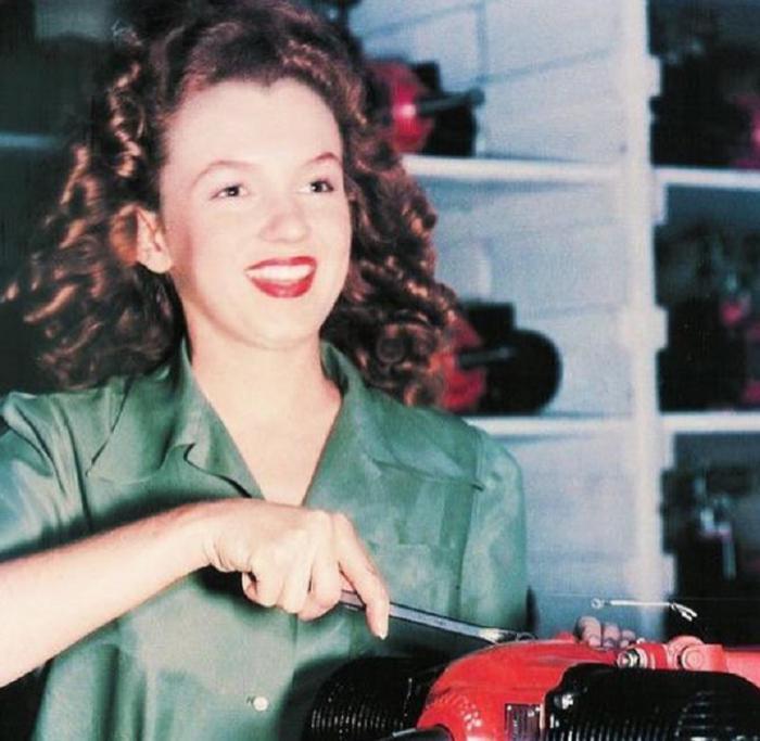 Новые редкие фото как выглядели знаменитости в юности