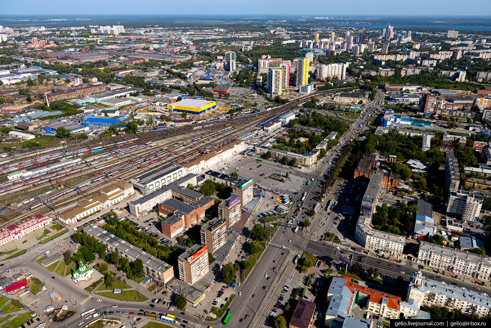 8. Улица Свердлова. Нередко её называют «воротами» Екатеринбурга, потому что улица ведет от вокзала