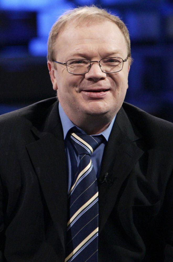 Годовиков родился в семье простых ленинградских рабочих. Он рос талантливым,но трудным ребенком. У р