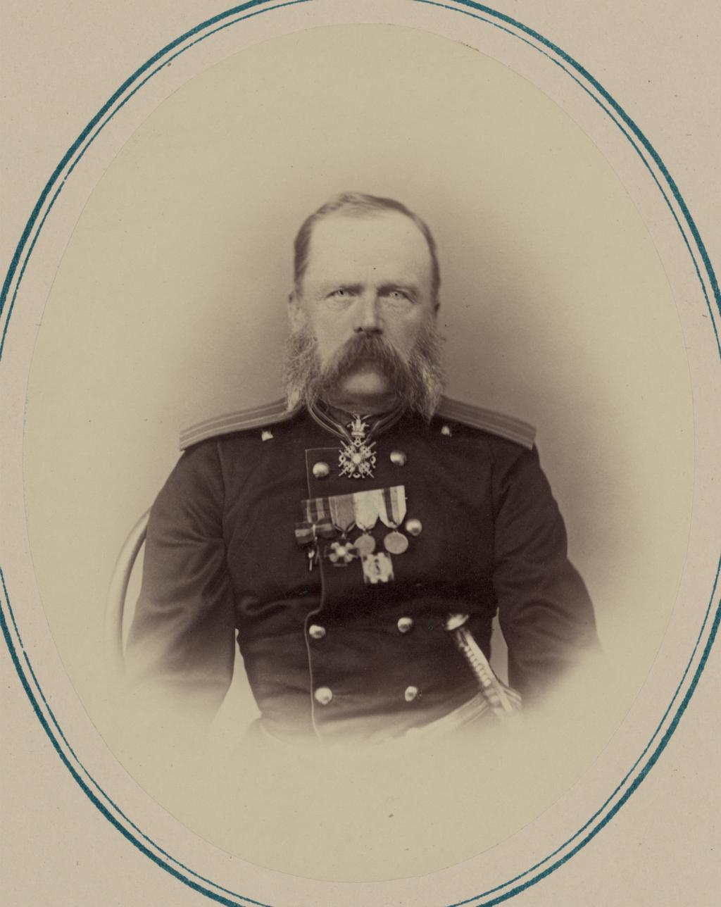 Георгиевские кавалеры и награжденные золотым оружием. За взятие Джизака 18 октября 1866 г. Полковник артиллерийской пехоты Н. В. Григорьев