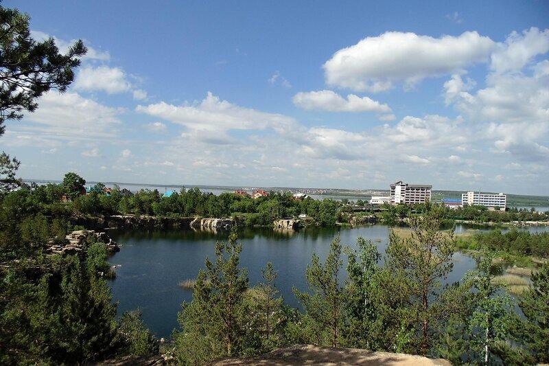 Челябинск. Изумрудный карьер.