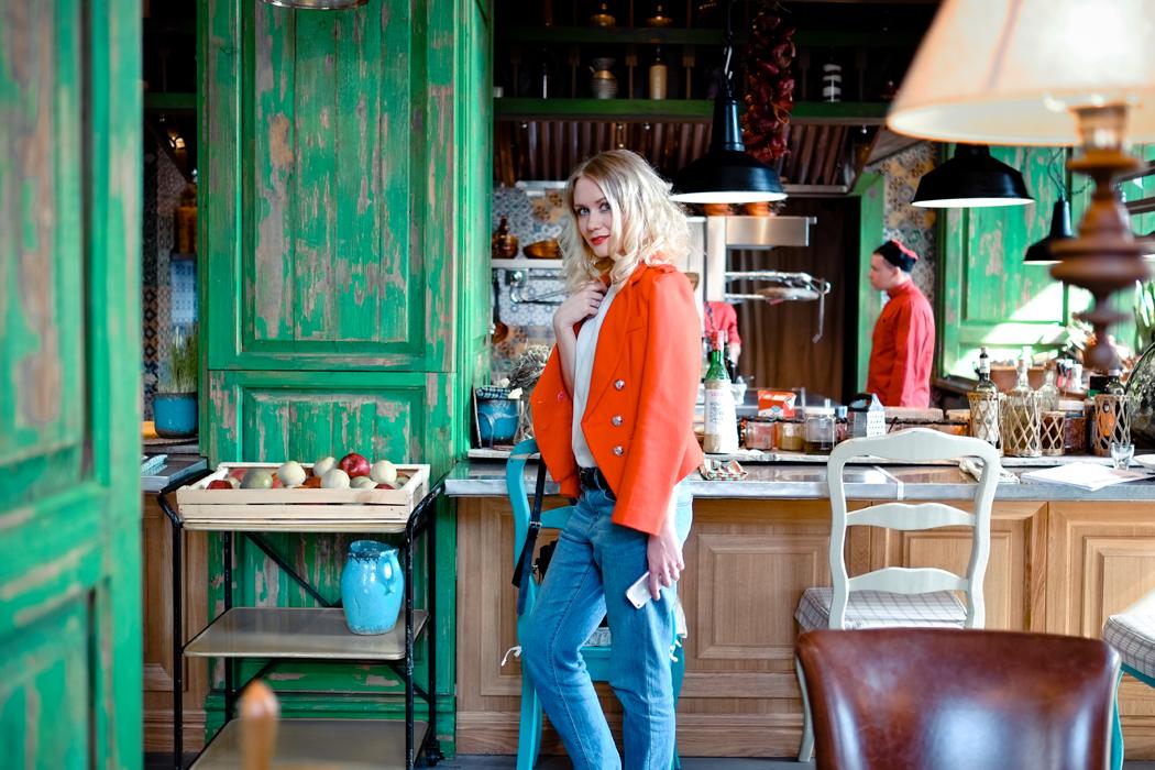 inspiration, streetstyle, spring outfit, moscow fashion week, annamidday, top fashion blogger, top russian fashion blogger, фэшн блогер, русский блогер, известный блогер, топовый блогер, russian bloger, top russian blogger, streetfashion, russian fashion blogger, blogger, fashion, style, fashionista, модный блогер, российский блогер, ТОП блогер, ootd, lookoftheday, look, популярный блогер, российский модный блогер, russian girl модные весенние аксессуары, тренды весна-лето 2015, что будет можно этим летом, модные образы, с чем носить красный пиджак, пиджак и джинсы, ginza, dress no stress, Christian restaurant, ginza project,  blazer with jeans