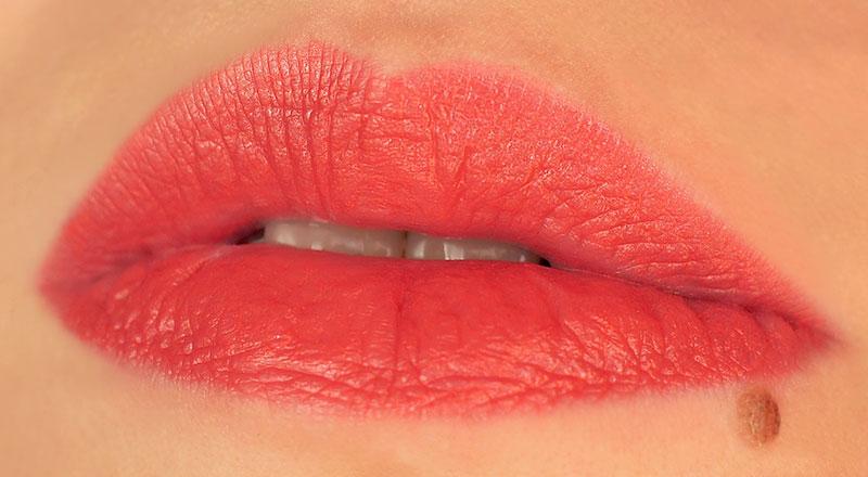 MAC-cremesheen-lipstick-crosswires-кремовая-помада-отзыв-свотч-rewiew-swatch7.jpg