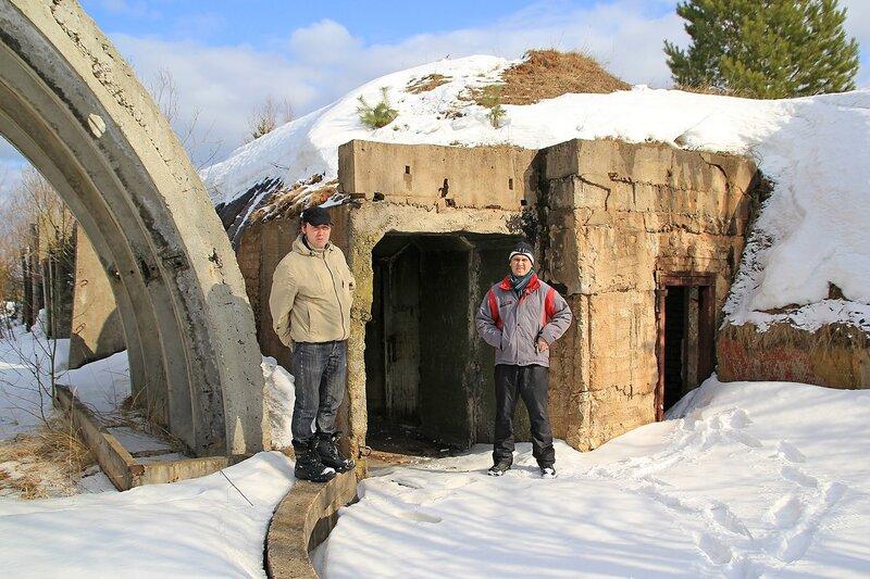 Смелые исследователи подземных укреплений ;-)