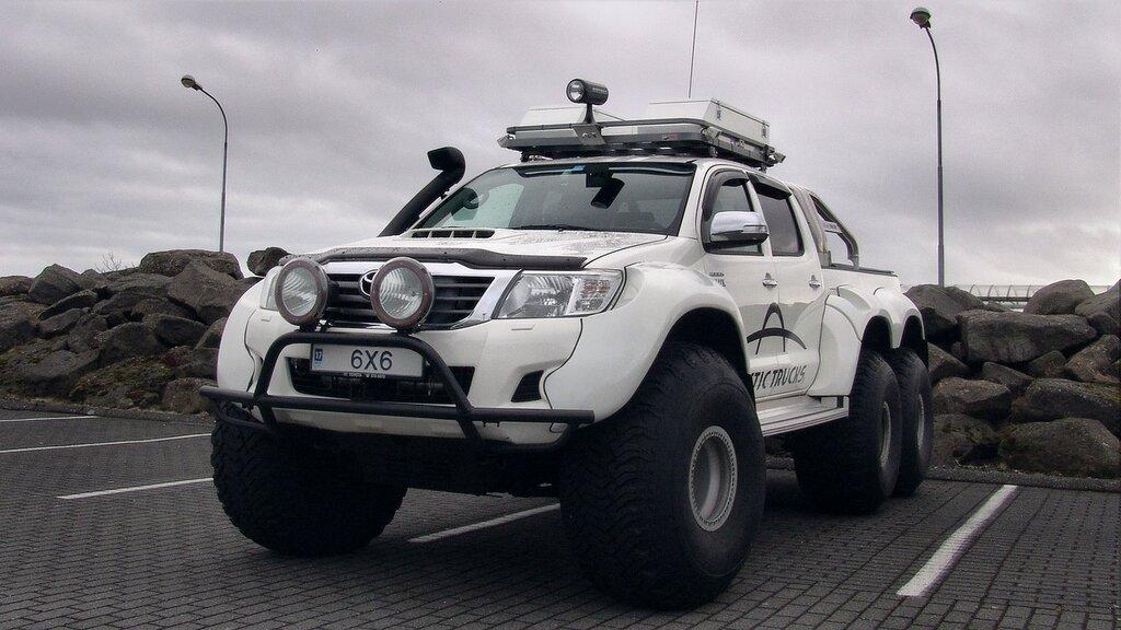 140406_01533_arctic_trucks_6x6