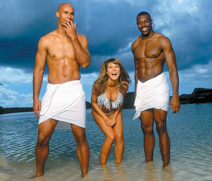 Эксцентричные фотографии для каталогов купальников Sports Illustrated Swimsuit - Heidi Klum with Jason Taylor and Terrell Owens 2001