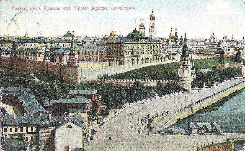 Вид Кремля от Храма Христа Спасителя