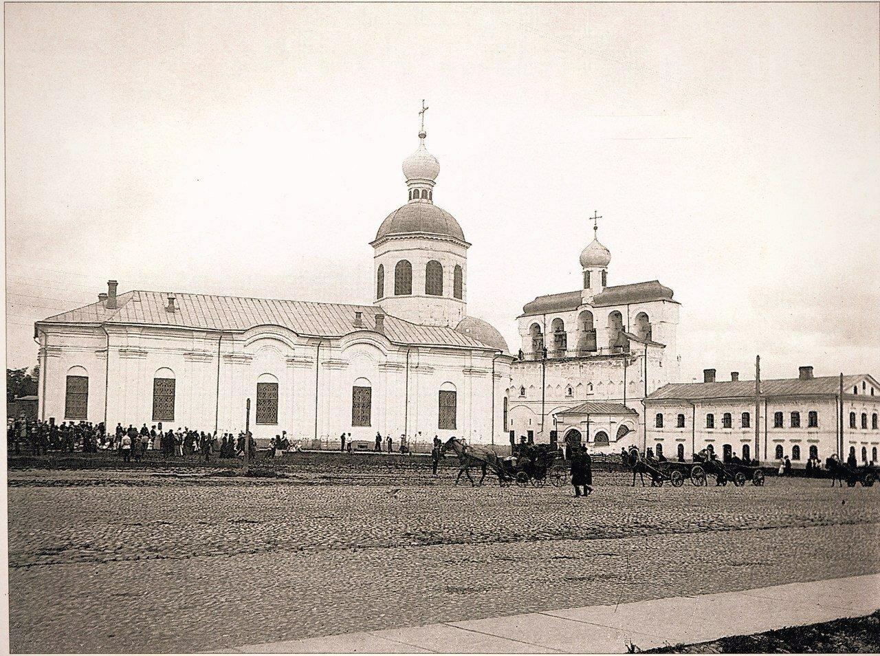 Крестный ход на Соборной площади
