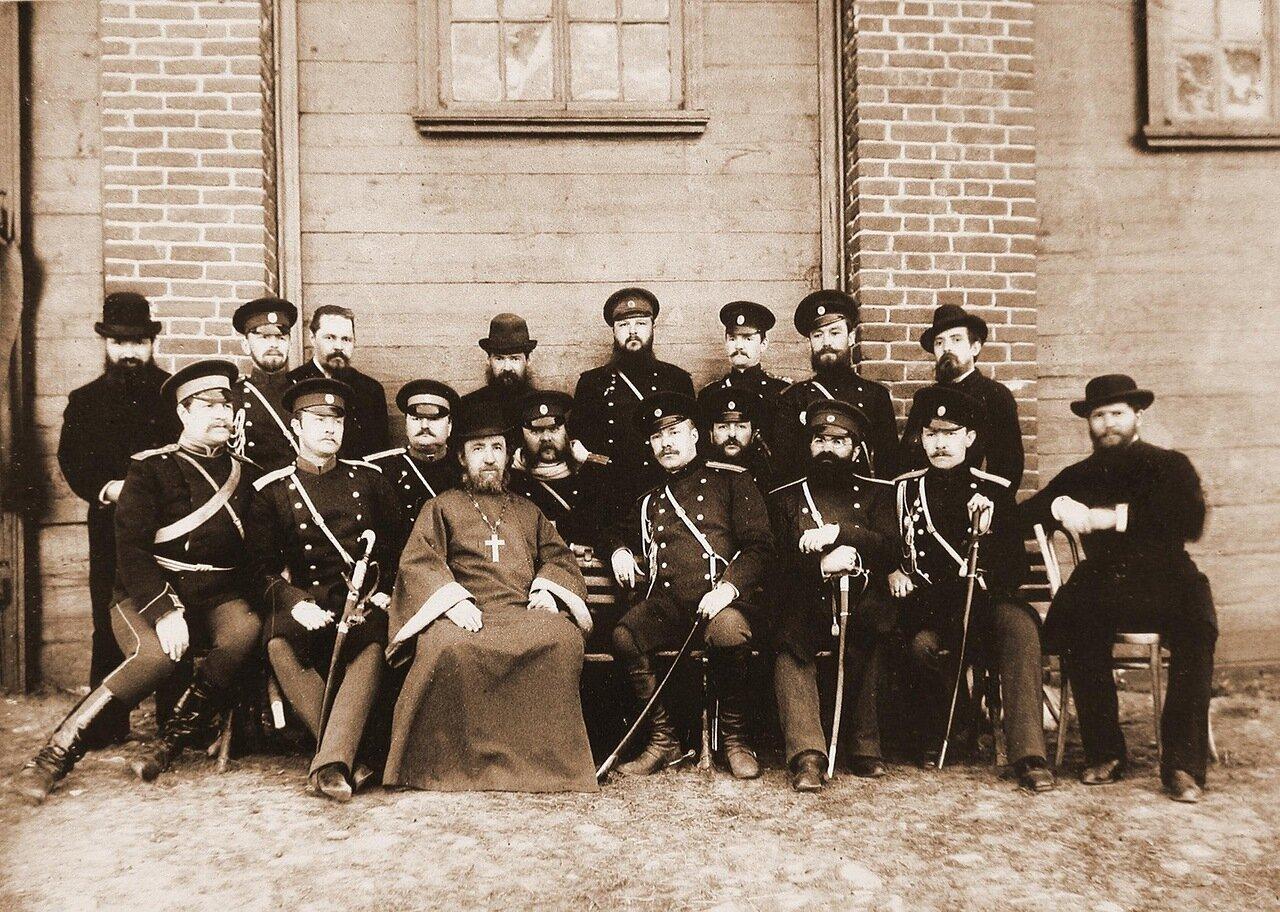 05. Группа офицеров и гражданских чинов - наличный состав училища